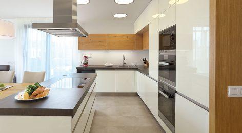 Кухня Диана со светлыми фасадами