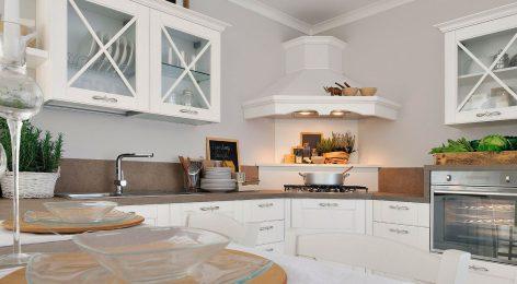 Угловая белая кухня. Фабрика Модные кухни