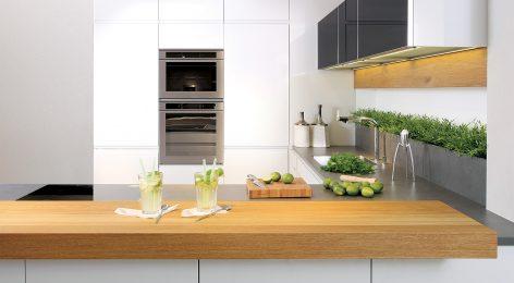 Белая стильная кухня на заказ